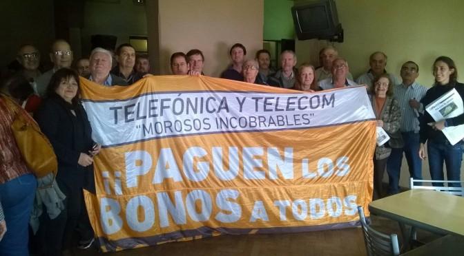 Gran asamblea por el pago de los bonos en Paraná (Entre Rios) y Santa Fe