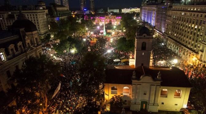 A 40 AÑOS DEL GOLPE: Multitudinaria marcha a Plaza de Mayo