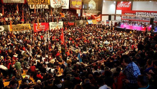 Un plenario histórico del sindicalismo combativo  Votamos un programa y un plan de acción