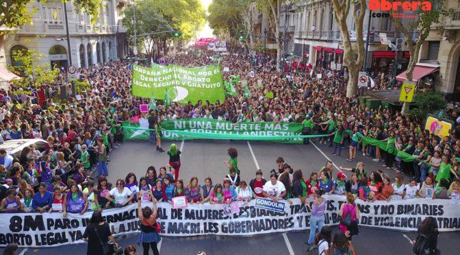 8M, miles en las calles nuevamente: Por el aborto legal y la separación de la Iglesia y el Estado, contra el ajuste de Macri y los gobernadores